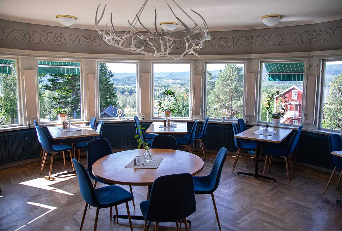 The dining room have a magic view over the Southern Åre mountain area.